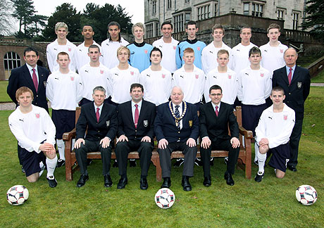 Photograph of The England Schoolboys' Under 18 Squad :: 2009