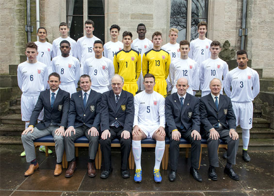 Photograph of The England Schoolboys' Under 18 Squad :: 2014-2015